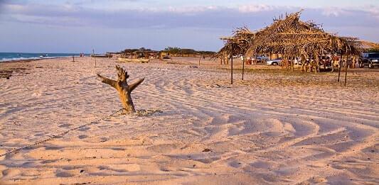 Sumérgete en las playas de Mayapo